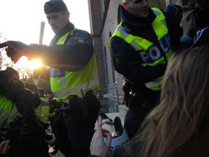 Mannen med batongen, som delade ut ett slag i ansiktet på en demonstrant, behöver omfattande psykisk vård