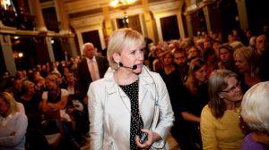 Margot Wallström sägs vara emot privatiseringen, så henne kommer ingen lyssna på.