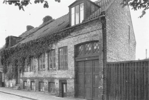 Sankt Månsgatan 7, byggt 1880, revs 198?