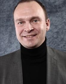 Ronny Johannessen (M). Hyresgäst hos Paulsson. Sitter på flera tunga positioner i Lundapolitiken. Korrupt.