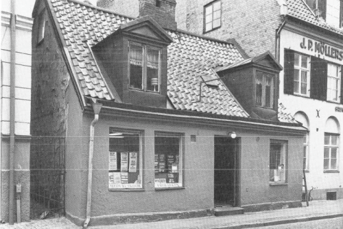Grönegatan 9, byggt 1834, revs 198?
